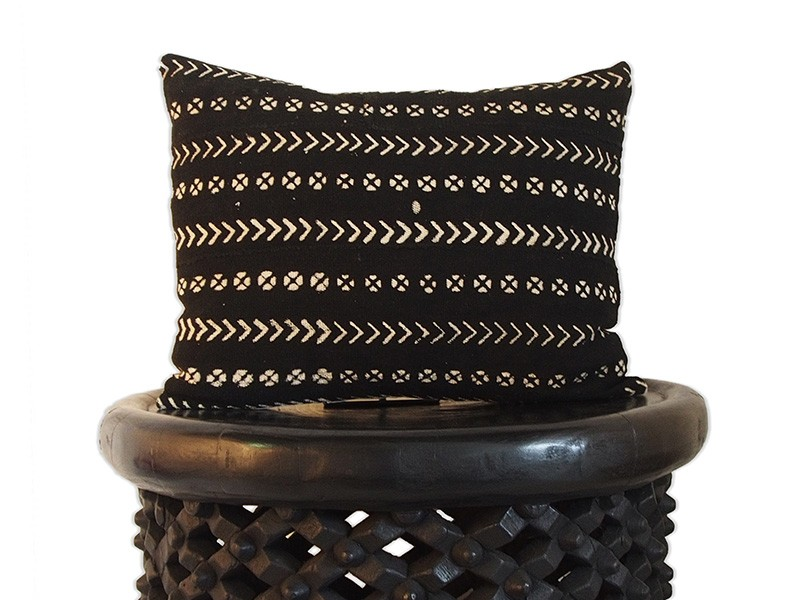 "Cushion 40 x 50cm /16"" x 20"" - Black"