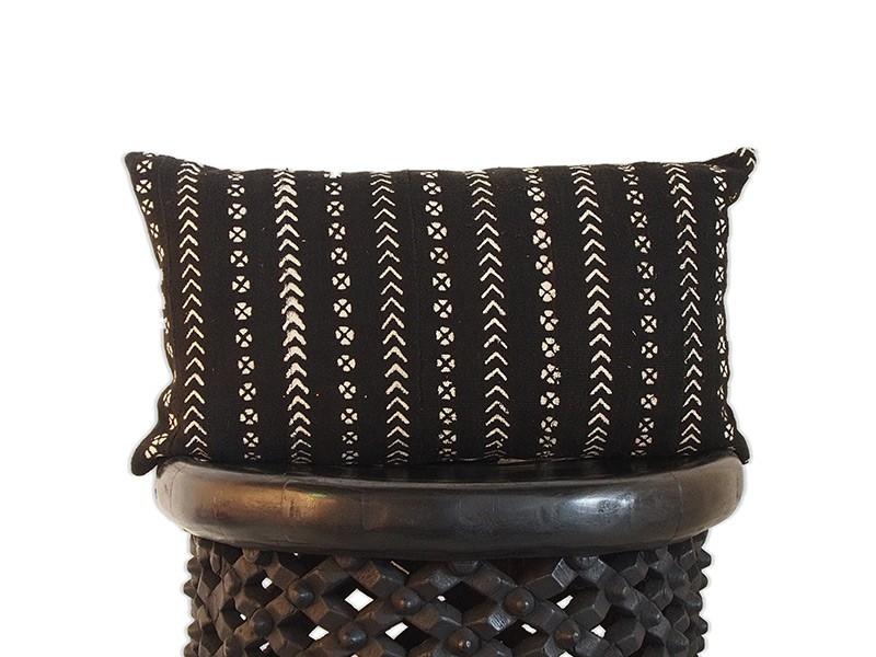 "Lumbar Cushion 40 x 65cm /16"" x 26"" Black"